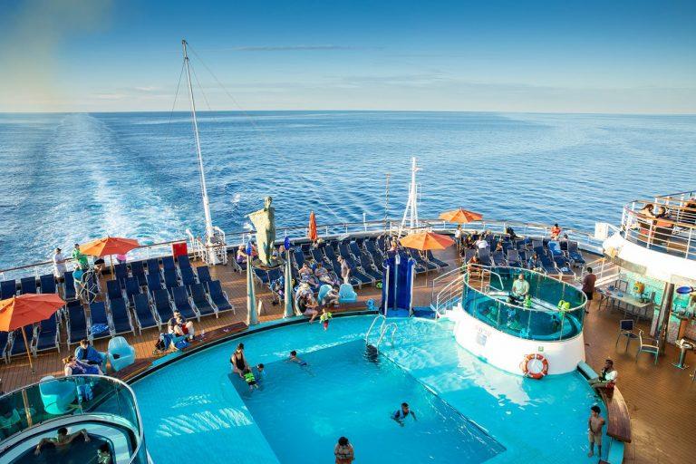 cruising-deck-carnival